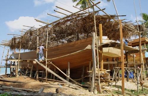 Sumbawa boat building in Teluk Wera.